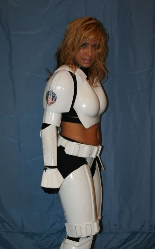 Femtrooper Julie is back !! Femtrooper_julie_blue-006