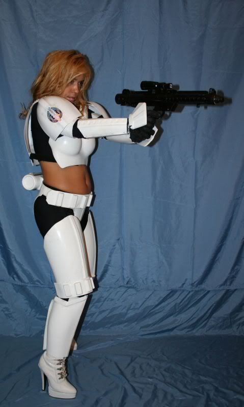 Femtrooper Julie is back !! Femtrooper_julie_blue-022