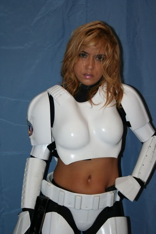 Femtrooper Julie is back !! Femtrooper_julie_blue-032