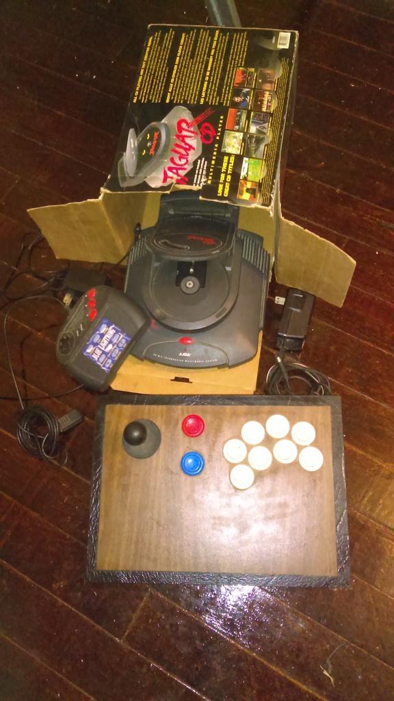 Atari Jaguar. IMAG0126_zps4yu2vgnf