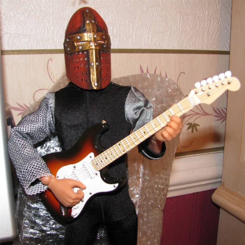 Do your Vam/mam or Joe have any musical instruments?? Knight87