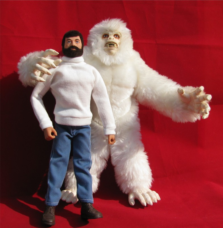 That's not bigfoot it's a pirate in a suit Yeti1