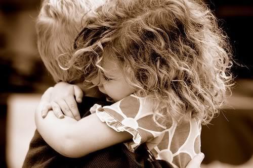 TANTI AUGURI AKANE Abbraccio