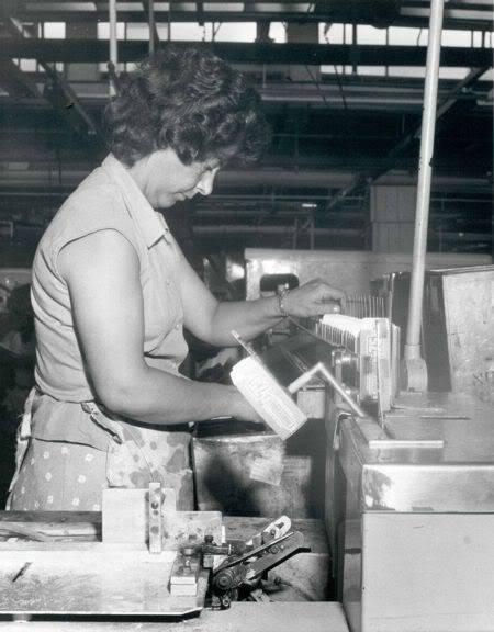 LESNEY LOS PRIMEROS AÑOS UN POCO DE HISTORIA Warehouse7s