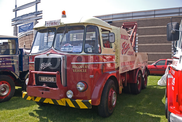 Los Grandotes de Lesney 440814-foden-recovery-truck