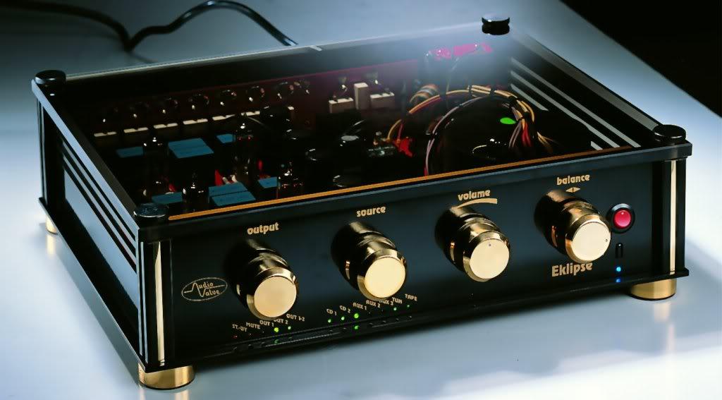 Amplificadores a valvulas com aspecto invulgar Eklip_tai