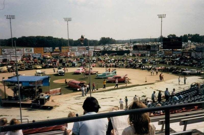 Greenville car show pics from the 80's Gville_Show_1