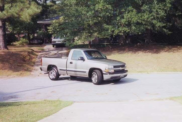 My current daily driver - '00 Chevy Silverado Silverado_1