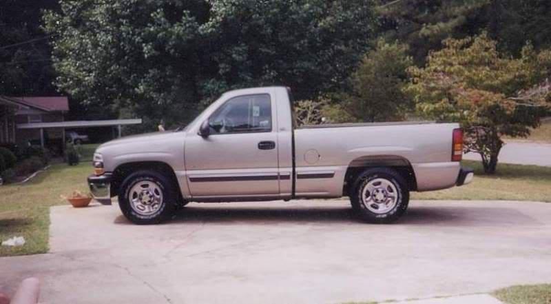 My current daily driver - '00 Chevy Silverado Silverado_2