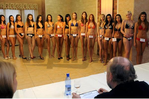 Road to MISS WORLD SLOVAKIA 2009™ Contestants REVEALED on p3 Miss-09-Kosice-kasting-porota-model