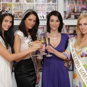 Official thread of Barbora Franekova - Miss Slovakia World 2009 Podpis_zmluv