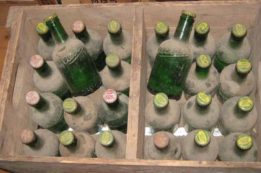 """24 bouteilles de liqueur """"Stubby"""" de Allan's, Montreal 24allans-pleines1"""
