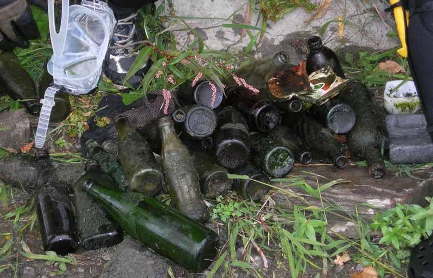 Chasse aux bouteilles sur la Rivière des Mille-Îles - 23 Septembre 2010 BDF23septembre2010L
