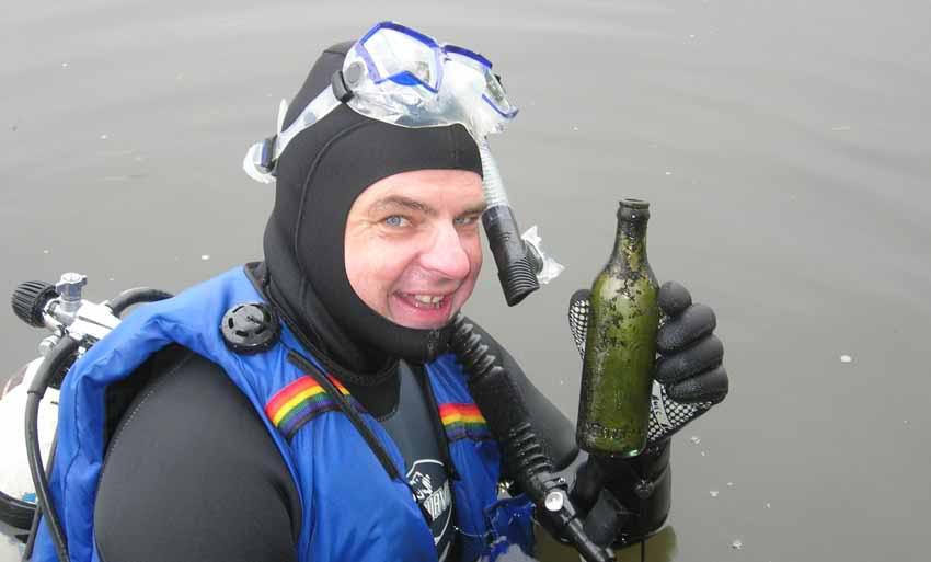 Chasse aux bouteilles sur la Rivière des Mille-Îles - 23 Septembre 2010 BDF23septembre2010ZF