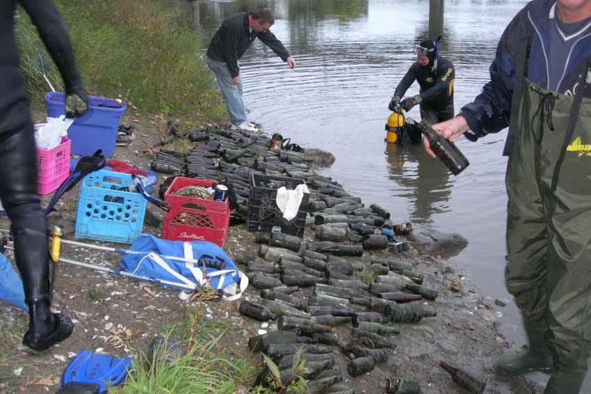 Chasse aux bouteilles sur la Rivière des Mille-Îles - 23 Septembre 2010 BDF23septembre2010ZZT