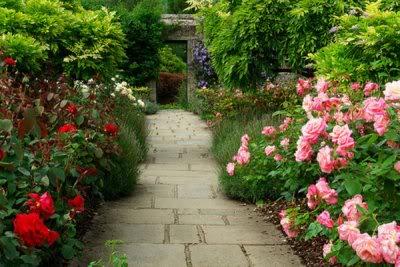 [RP] Tudor Estate Derby_gardenwalk