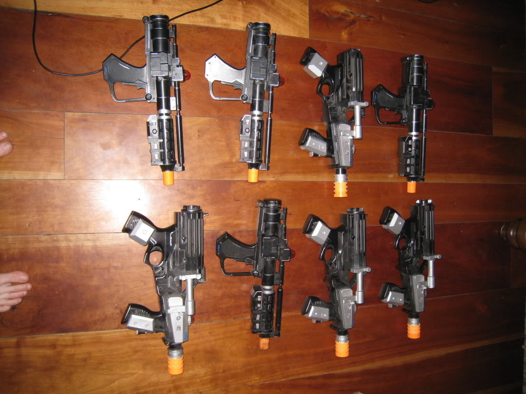 Lot of 8 ultra rare  lazer tag guns  IMG_1513