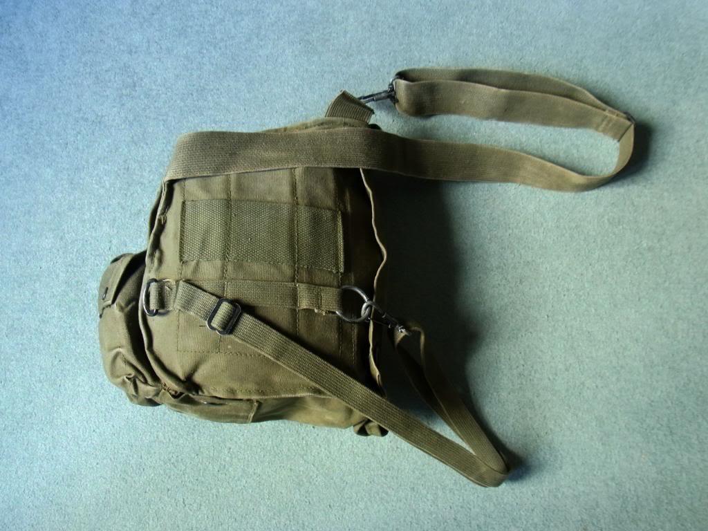 US Army gasmask pouch M17 Vietnam era (original) RIMG0033_zps7e466110
