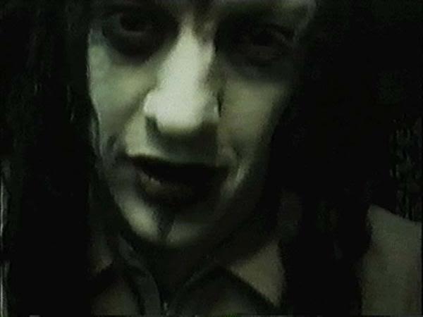 Marilyn Manson L_f13705a25bf70342e6d48cab12e1c4ba