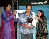 Аджай Девган / Ajay Devgan Th_award261209_82