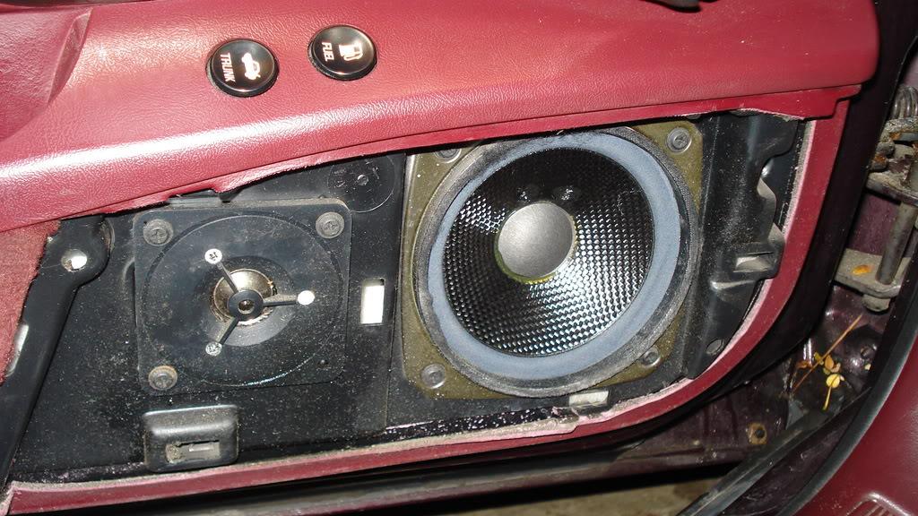 how to swap out door speakers on a 95 rivi DSC08533