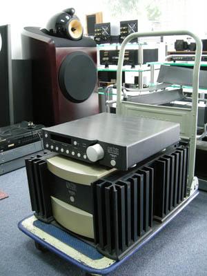 Mark Levinson No 332 Power Amplifier and No 38 Preamplifier