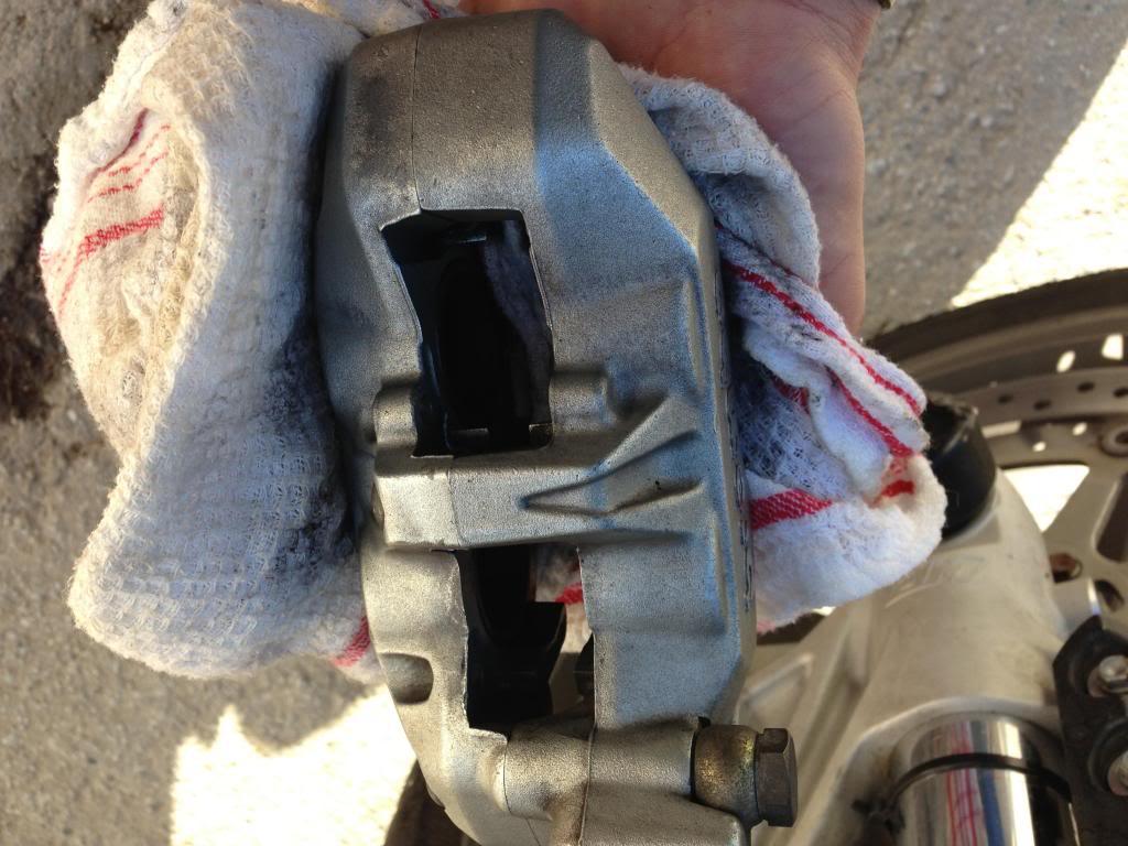 limpieza pinzas de freno IMG_5541_zps95dec7b5