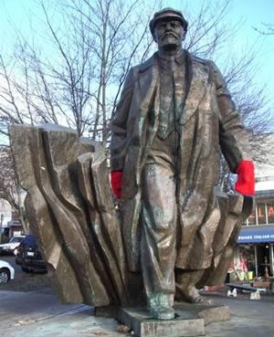 Sete toneladas de Lenin en Seattle Lenin1Fremont