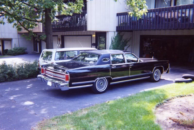 I drove my first Lincoln today. Img526