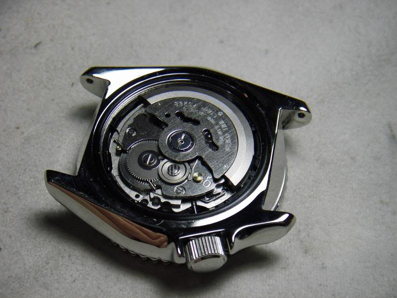 DIY: How to remove a Seiko 7s26 movement IMGP3986