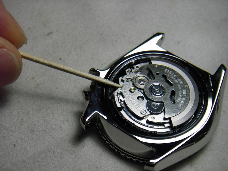 DIY: How to remove a Seiko 7s26 movement IMGP3988