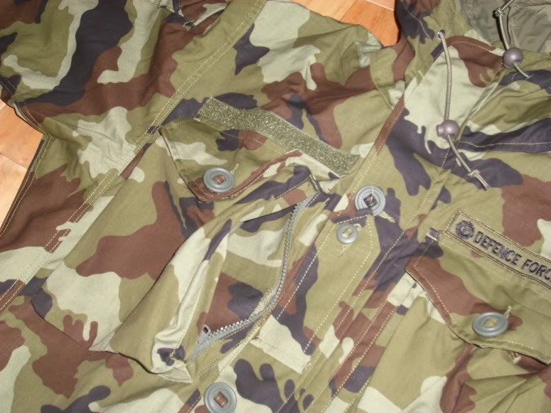 2010 Pattern Irish Army Field dress. Smockzipperedchestpocket