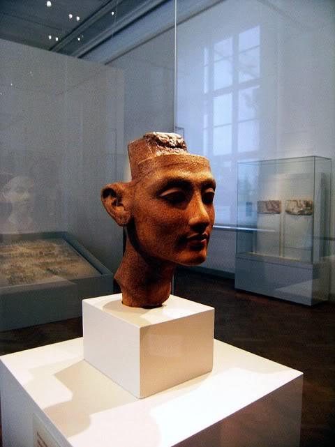 Recherche sculpteur pour socle & fixation B5