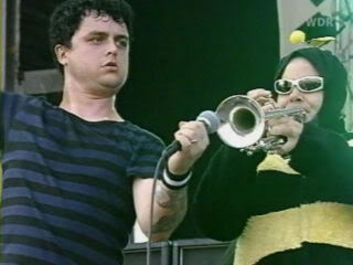 """""""Times Talks"""" con Billie Joe y Michael Mayer - Página 3 Biz12"""