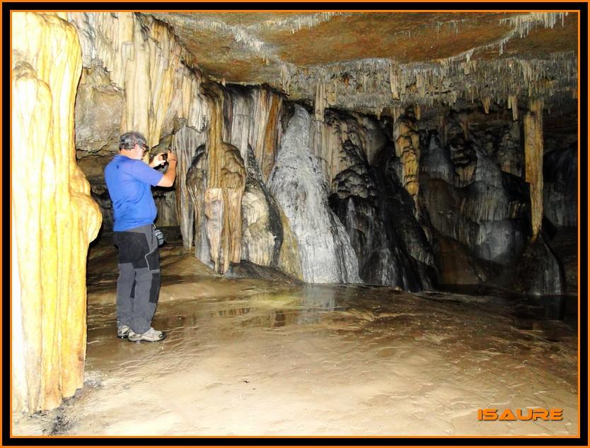 Bosque de Artea y Cueva de los Cristinos (Urbasa) DSC02670