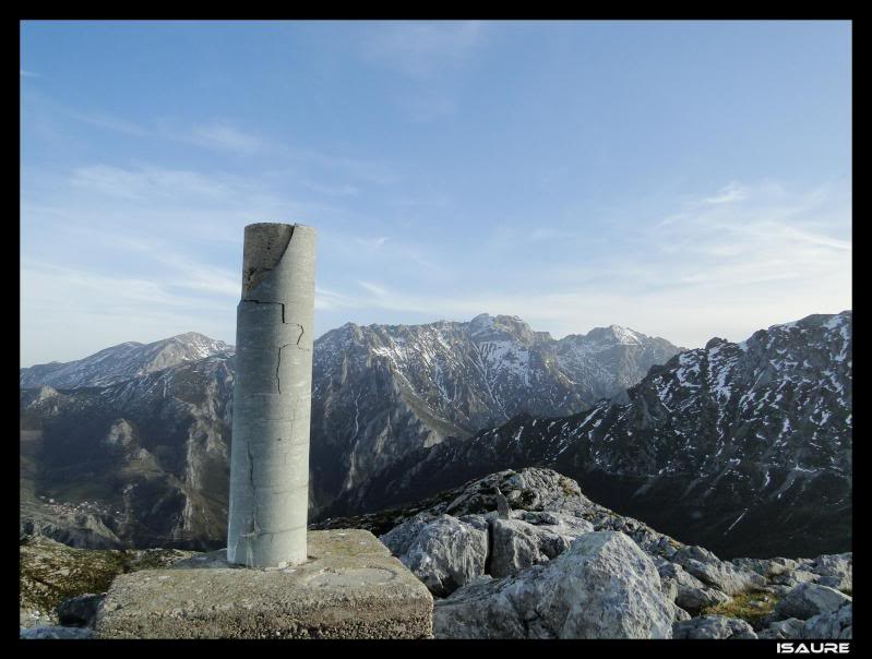 Peña Main 1.605m. desde Tielve DSC07311