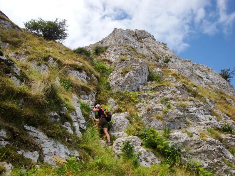 Monte Candina 489m. y Salpico 486m. desde Sonabia CANDINA034