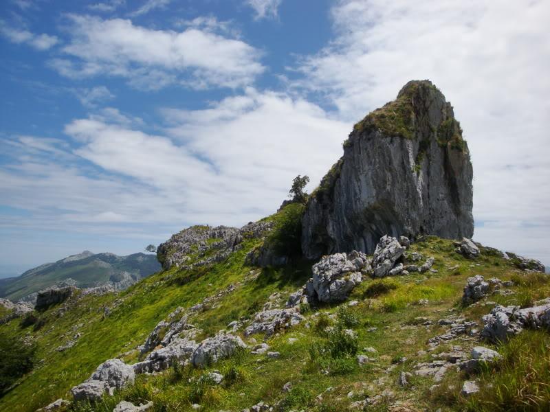 Monte Candina 489m. y Salpico 486m. desde Sonabia CANDINA095