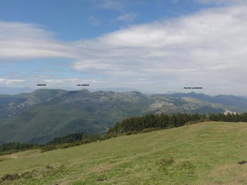 Pico Cerredo 634m. Ventoso 731m. desde Castro Urdiales DSC00820