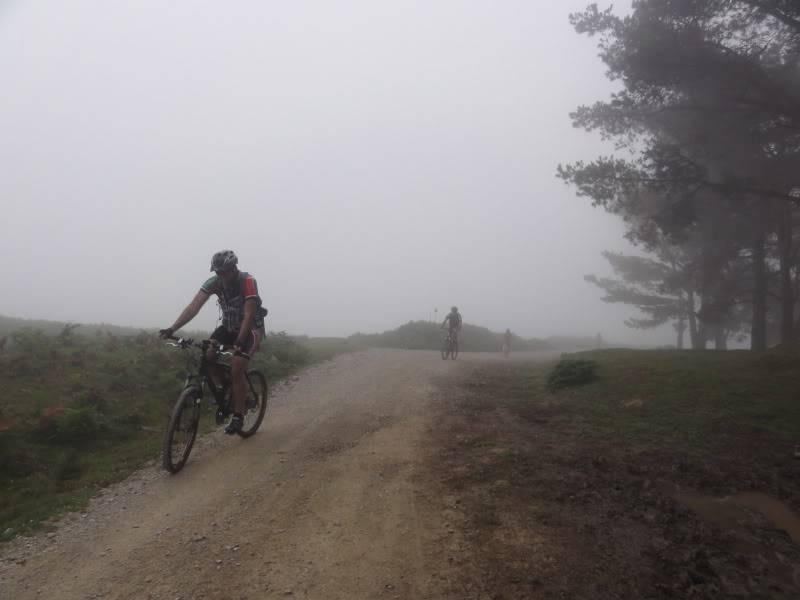 Pico Cerredo 634m. Ventoso 731m. desde Castro Urdiales DSC00891