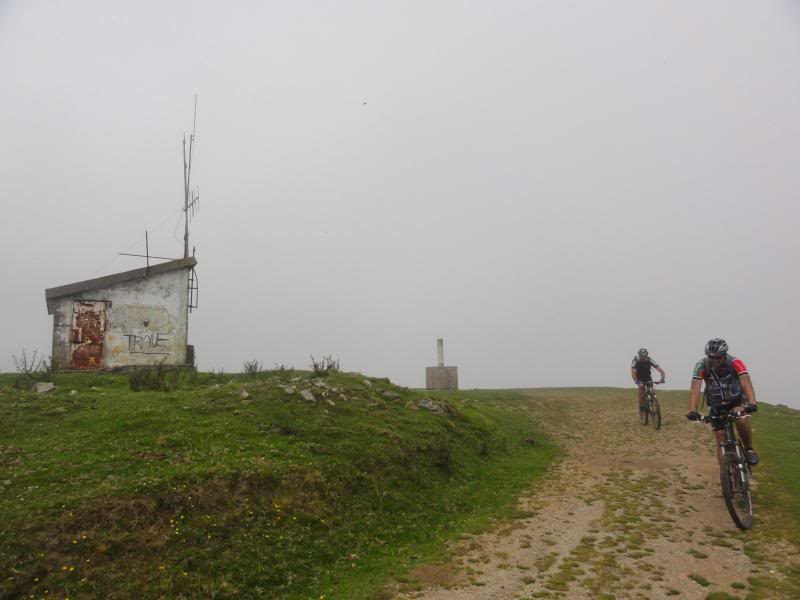 Pico Cerredo 634m. Ventoso 731m. desde Castro Urdiales DSC00922