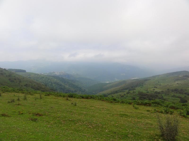 Pico Cerredo 634m. Ventoso 731m. desde Castro Urdiales DSC00925