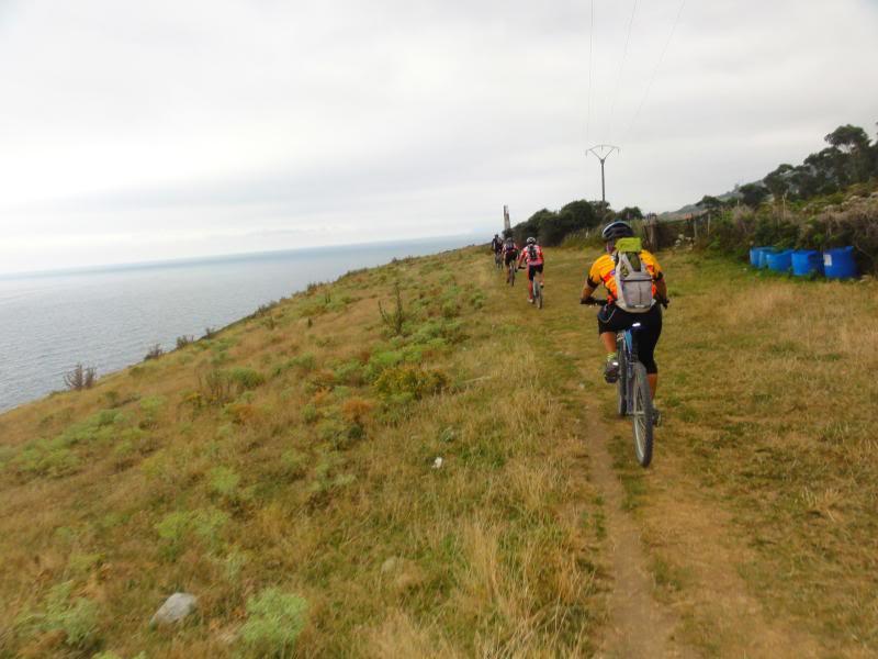 Pico Cerredo 634m. Ventoso 731m. desde Castro Urdiales DSC00987