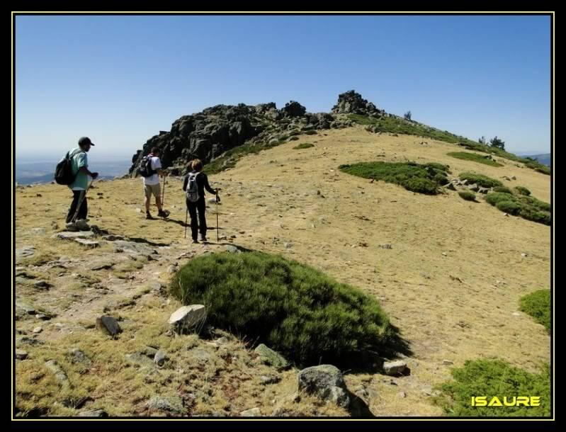 La Maliciosa 2.227m. y Bola del Mundo 2.258m. desde La Barranca DSC03344
