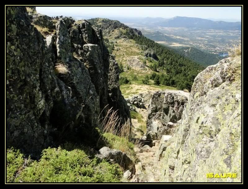La Maliciosa 2.227m. y Bola del Mundo 2.258m. desde La Barranca DSC03362