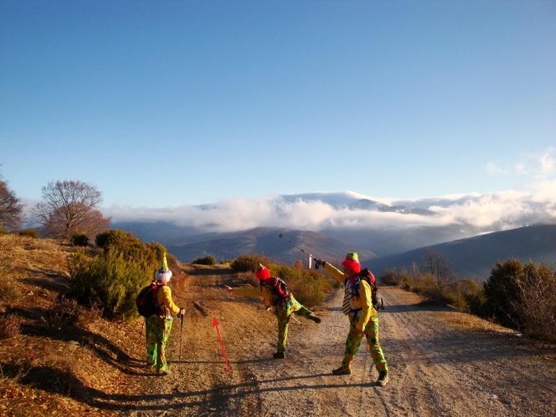 Haciendo el payaso subiendo al Pico Mencilla 1.932m. MENCILLA073