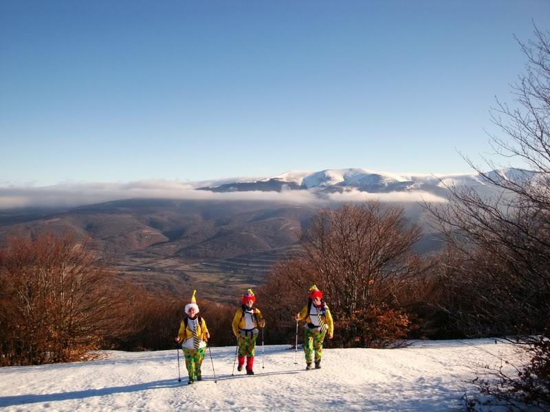 Haciendo el payaso subiendo al Pico Mencilla 1.932m. MENCILLA110