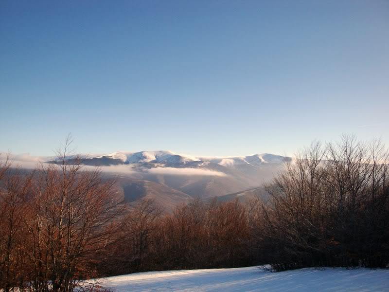 Haciendo el payaso subiendo al Pico Mencilla 1.932m. MENCILLA111