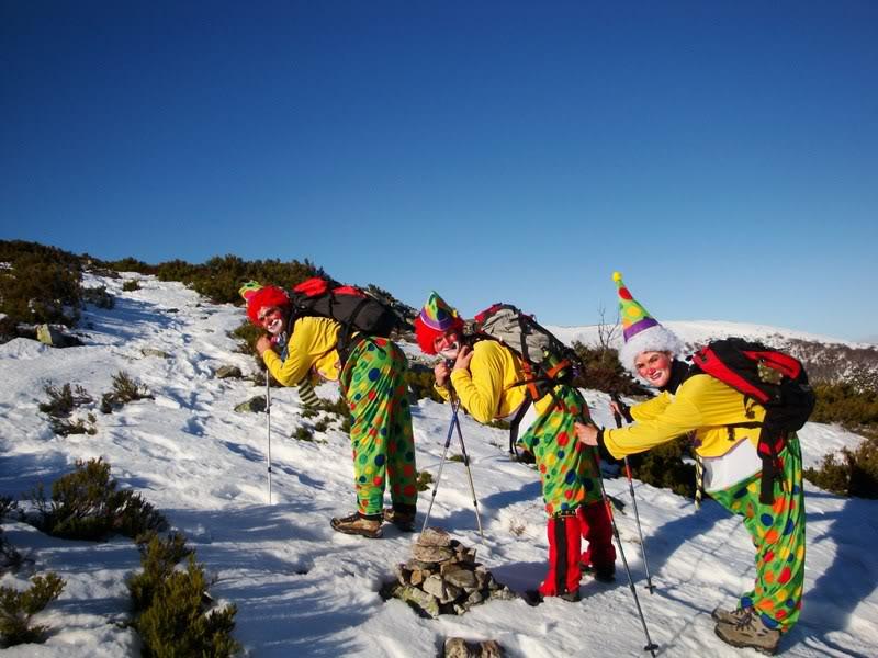 Haciendo el payaso subiendo al Pico Mencilla 1.932m. MENCILLA118