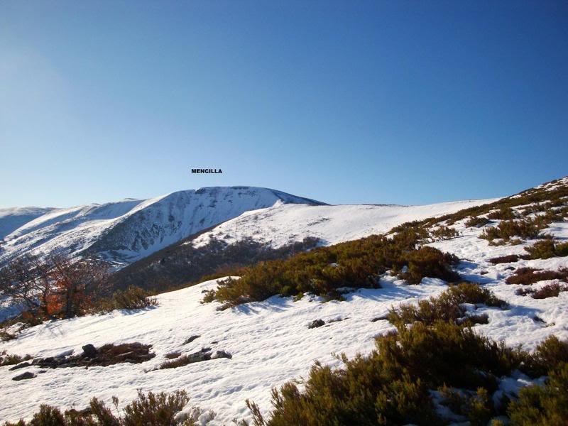 Haciendo el payaso subiendo al Pico Mencilla 1.932m. MENCILLA119